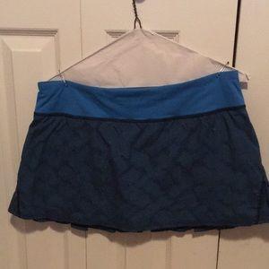 Lululemon blue & black checked skirt sz 8 58200